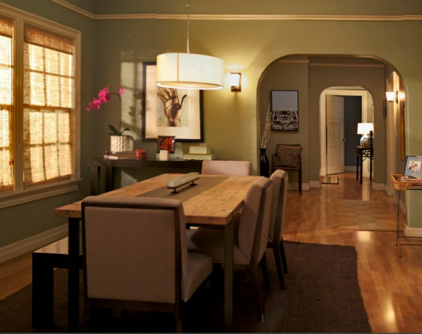mitchell-and-cams-dining-room-modern-family